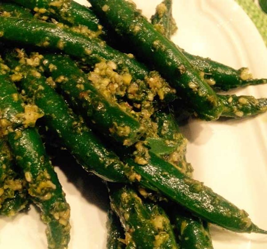 Green Bean with Ginger Pesto